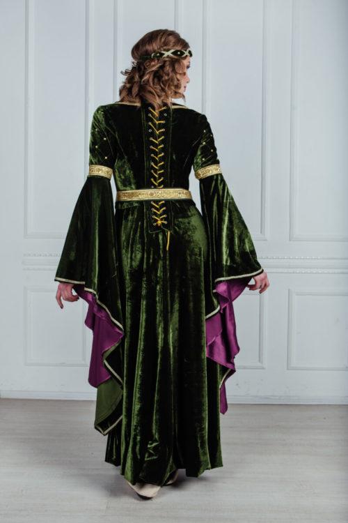 платье в стиле средневековья