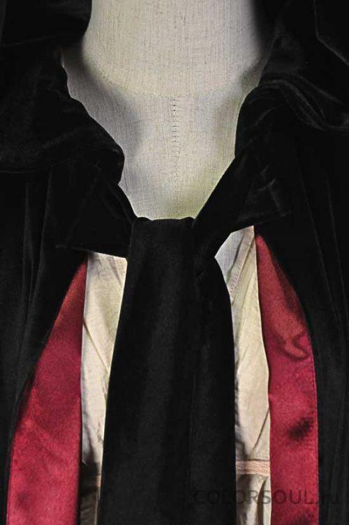 чёрно-бордовая накидка