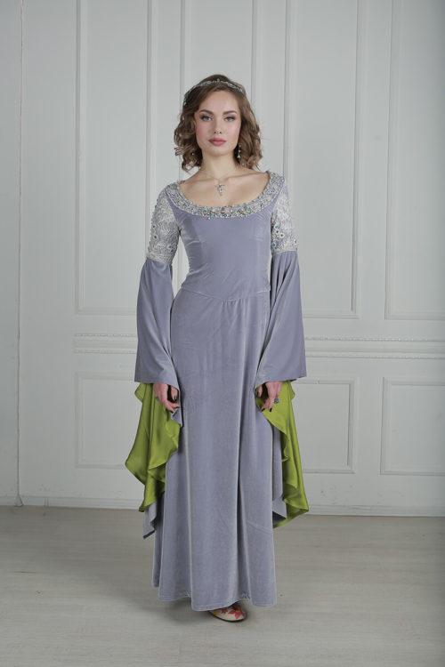 Эльфийское платье с красивыми ниспадающими рукавами