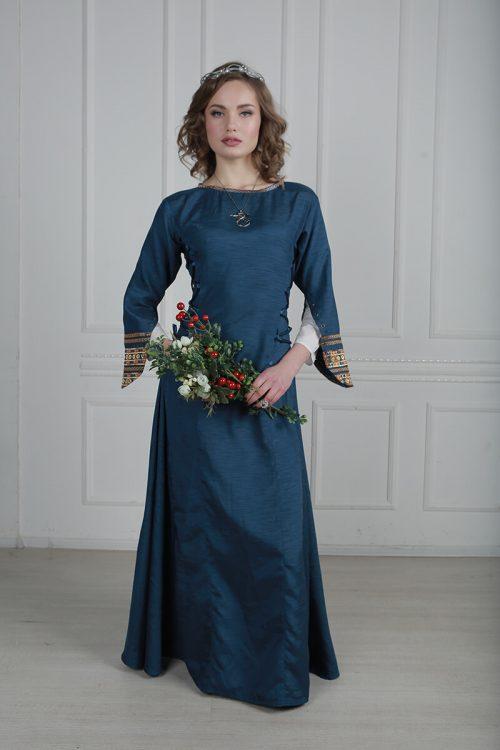 средневековый костюм женщины