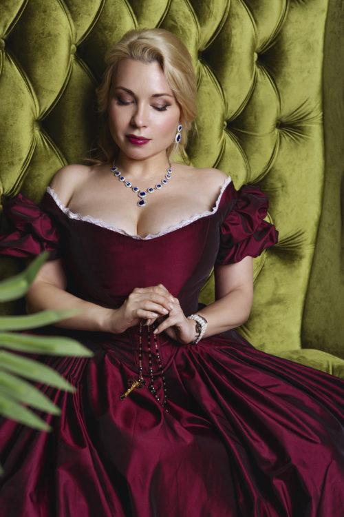 бордовое викторианское платье 19 века