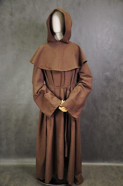 костюм монаха с капюшоном