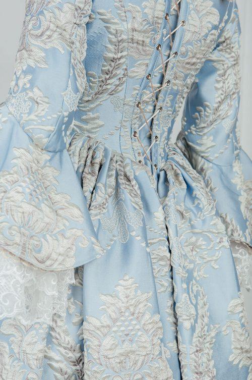 Платья дам 18 века