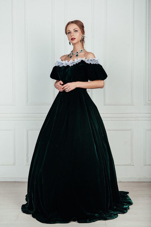 Прокат платьев 19 века в Москве