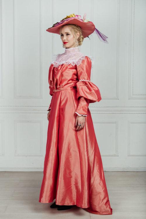Женский костюм эпохи модерн