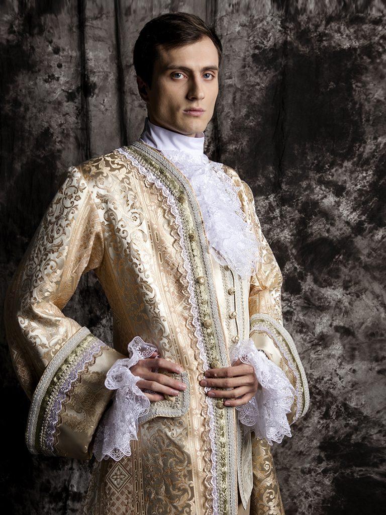 Пошив исторических и театральных костюмов