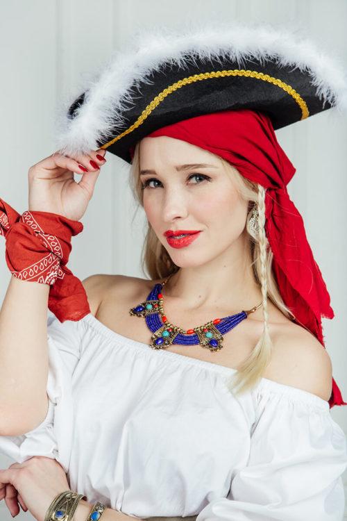 Пиратский женский костюм аренда