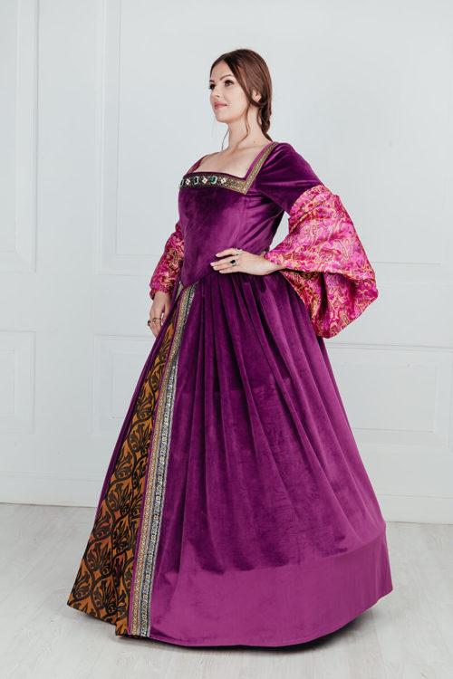 платье 16 века большого размера.