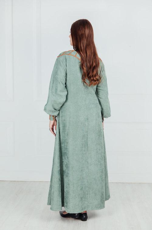 Женский скандинавский костюм