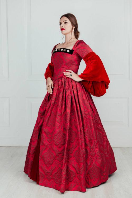 прокат средневековых платьев