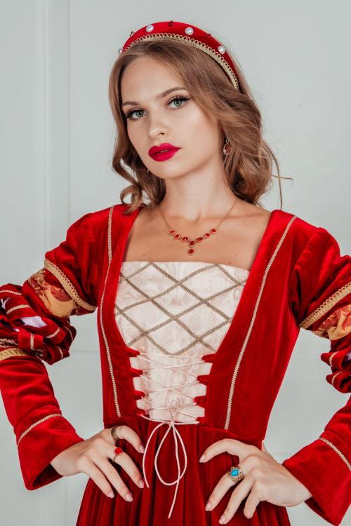Ободок средневековый красный