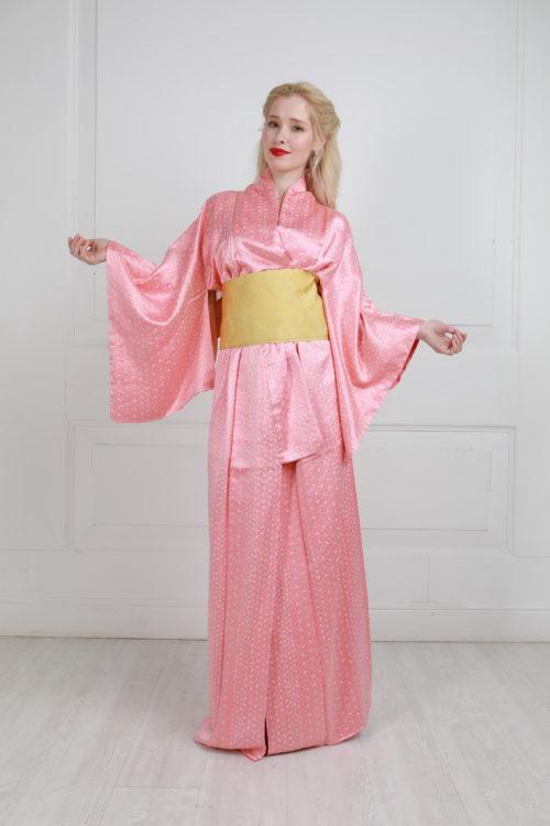 Кимоно розовое шёлковое аренда