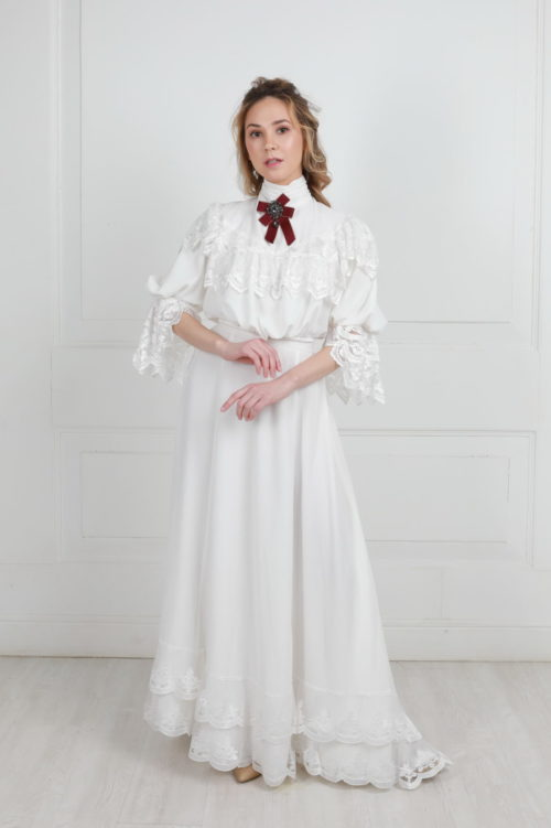 Белое платье модерн со шлейфом