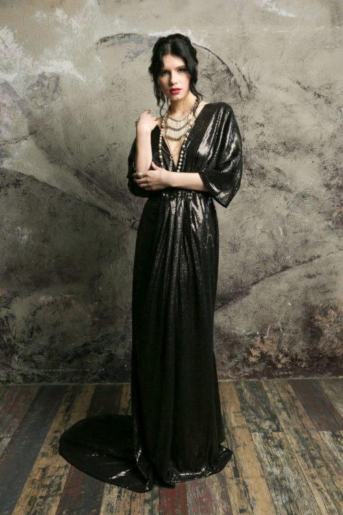 Платье на запахе чёрное в пол