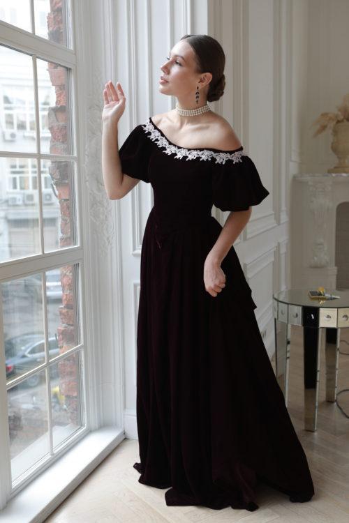 Платье 19 века бархатное сливовое