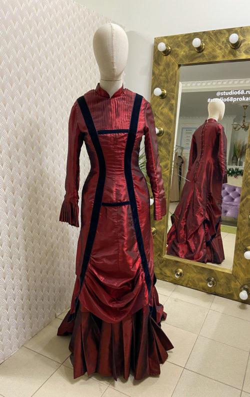 Дорожное платье модерн бордовое