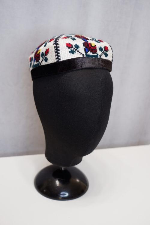 Узбекская национальная тюбетейка