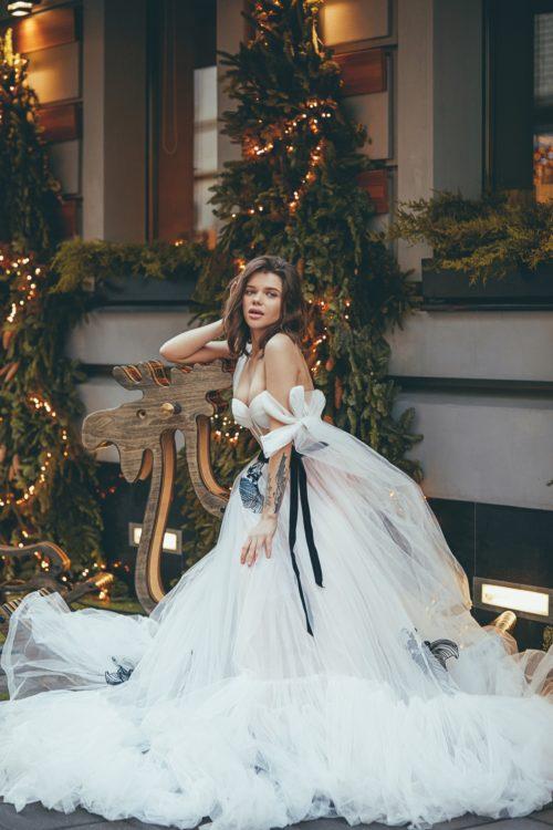 Белое платье из фатина