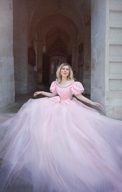 Ариэль розовое платье аренда