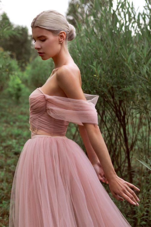 длинное платье из фатина