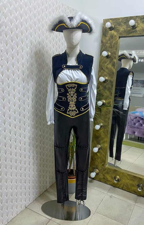 Женский костюм пиратки