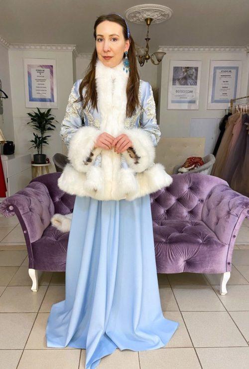 костюм в русском стиле голубой